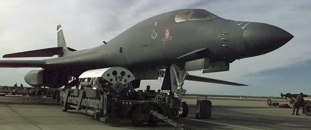 B-1 bomber loading up for Desert Fox