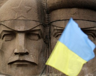 US and Kiev pretend they are under attack by protestors