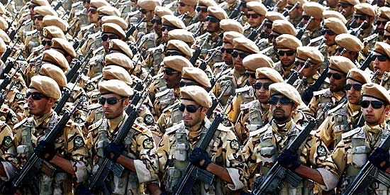 Iranian-soldiers-march-during-the-annual-military-parade-on-September-22-2011