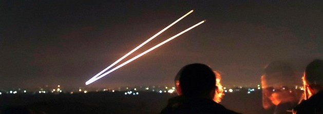 2014_israel_rockets_gaza_ banner