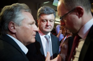 Former President of Poland Aleksander Kwasniewski, Mr Petro Poroshenko and Mr Arseniy Yatseniuk at the 9th Davos Ukrainian Lunch, 25 JAN 2013. In 2008, Kwaśniewski became Chairman of the European Council on Tolerance and Reconciliation, a not-for-profit organization co-chaired by European Jewish Fund President Viatcheslav Moshe Kantor, and established to monitor tolerance in Europe.