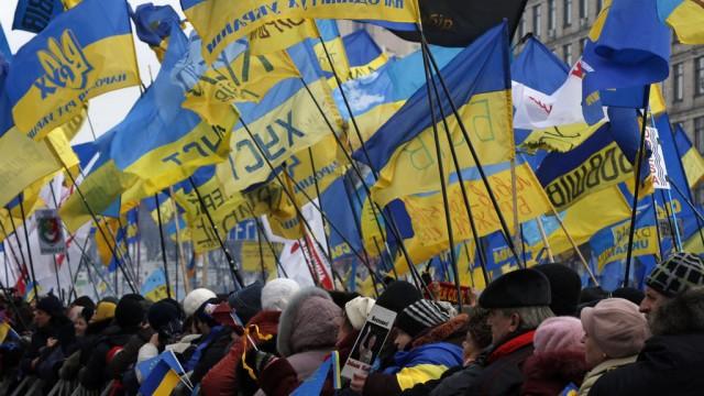 15_UKRAINE_R_W_LRG