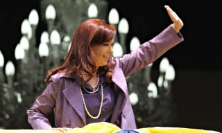 "Cristina Fernandez ""womans"" the ramparts against the vulture funds"