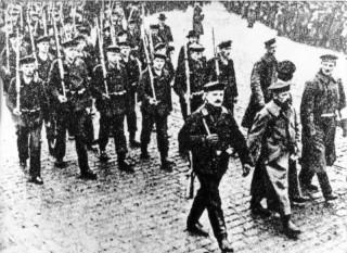 Kiel, Novemberrevolution, Matrosenaufmarsch