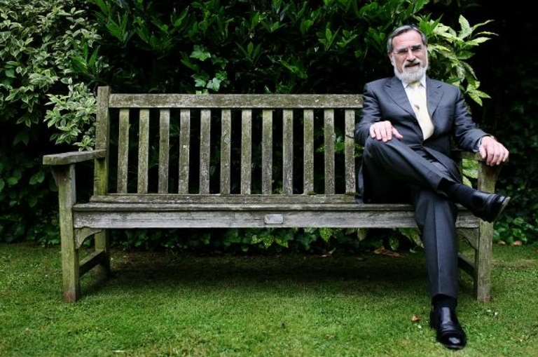 Rabbi Sacks still trying to have Stephen Hawkings jailed for not loving Israel