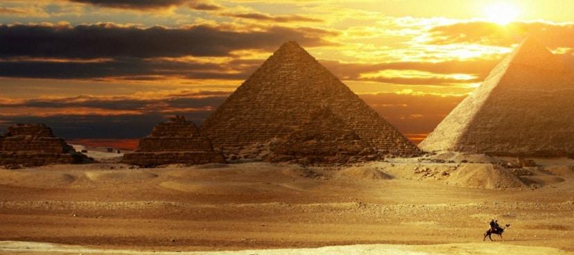 Pyramid banner2
