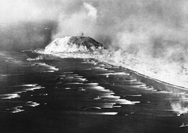 Iwo Jima, where the myth of the devastating naval bombardment was put to rest