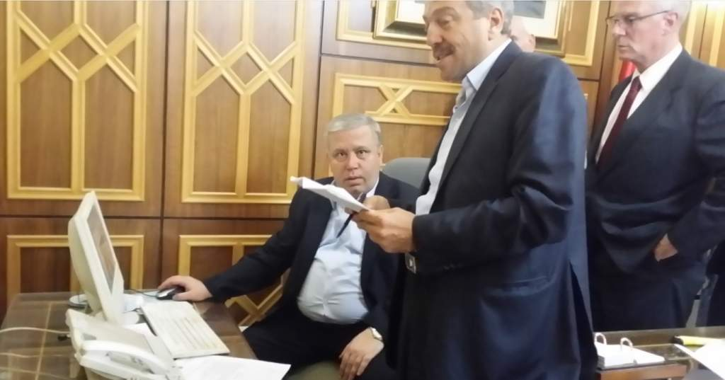 Justice Minister with Mike Harris in Damascus, photo by G. Duff